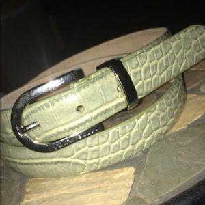 Light green leather Perry Ellis women's belt!